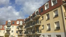 """APPARTEMENT  TRAVERSANT T3 de 60 M2 SALON SUD OUEST  2  BALCONS"""
